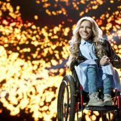 Rusia va fi reprezentata la Eurovision de o tanara cu handicap