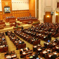 Masuri propuse pentru facilitarea interactiunii cetatenilor cu Parlamentul